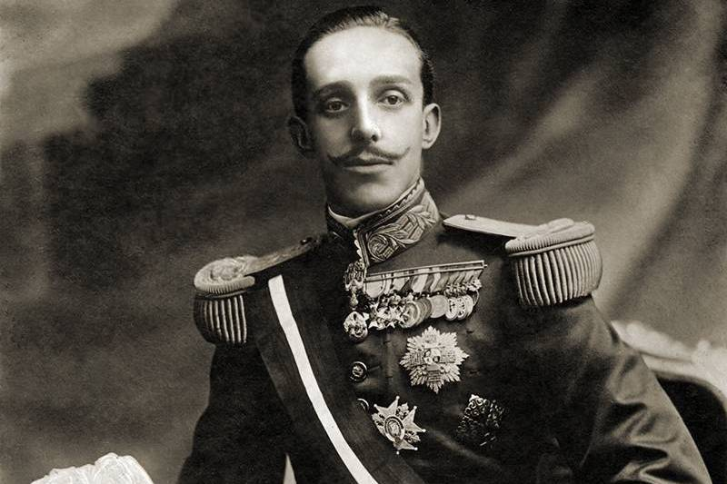 THE REIGN OF ALFONSO XIII – 4 TRAVELLING ACROSS TIME