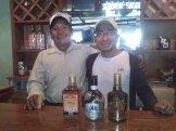 Ignacio y Claudio Martínez, dos generaciones de Paleque Mezcal Sinai en San Dionisio de Ocotepec