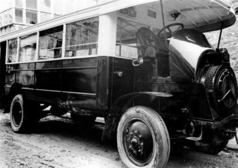 primer-autobus-dion-bouton-frances-1q-de-lso-2-que-comenzaron-en-verano-1925-de-compania-de-automoviles-de-alava
