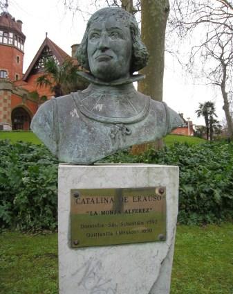 18957-busto-catalina-erausoa