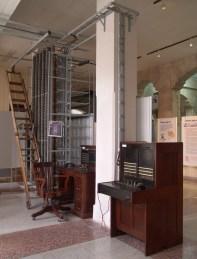 Vista centralitas manuales y repartidor (Archivo Museo ETECSA)