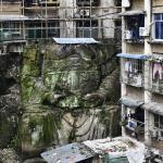 Encuentran una estatua gigante de Buda sin cabeza entre edificios residenciales en China