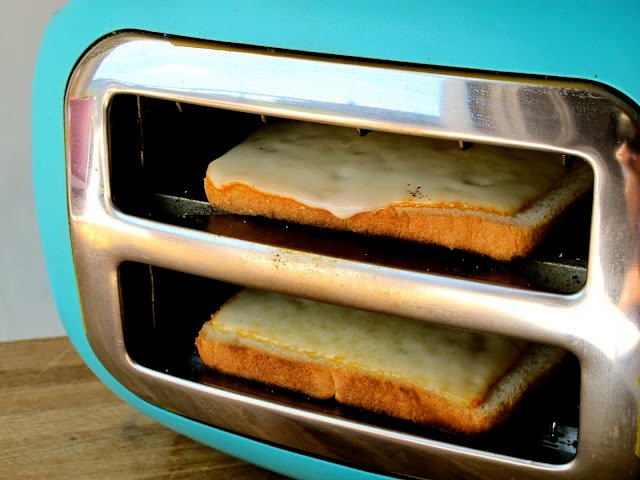 1-toasters-dont-make-good-grilled-cheese