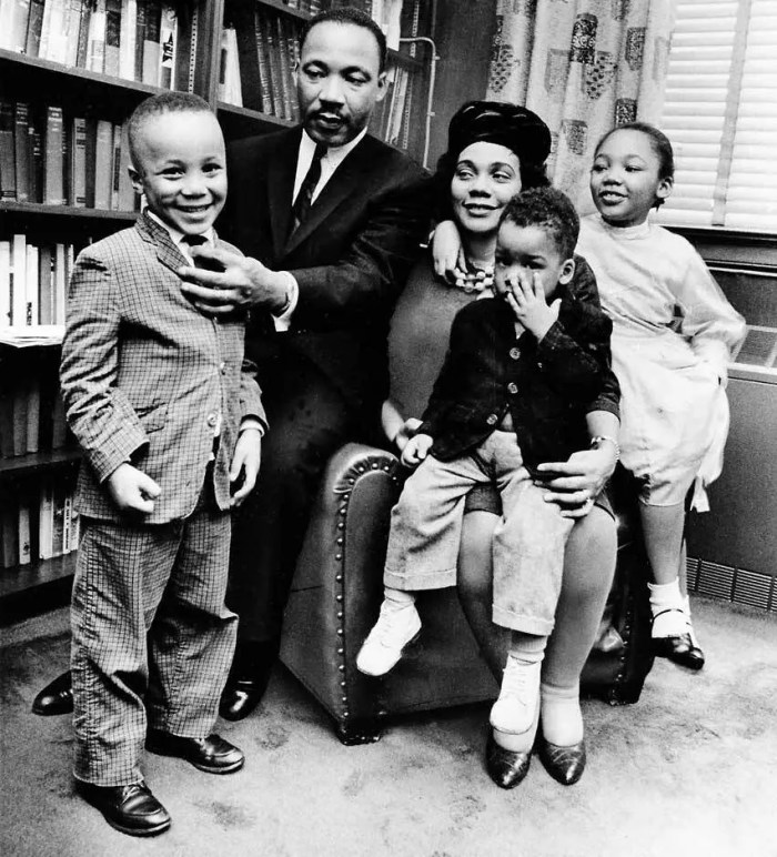 Martin Luther King Jr. with his family