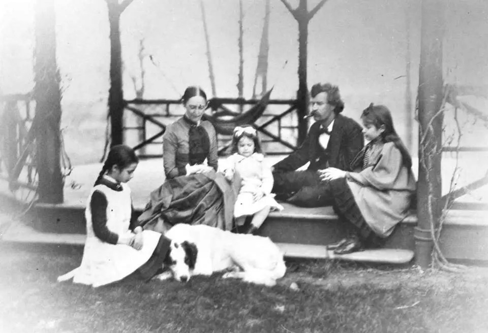 Mark Twain with his family