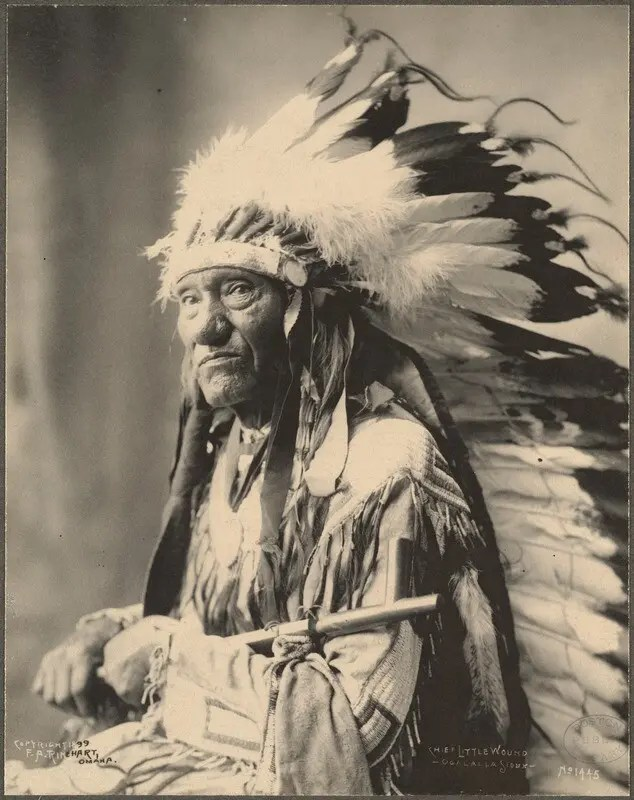 Portrait of Chief Little Wound of the Oglala Sioux, 1899.