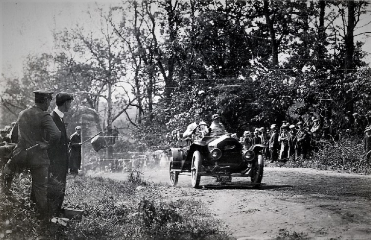Easton 1910 hill climb racer flagman