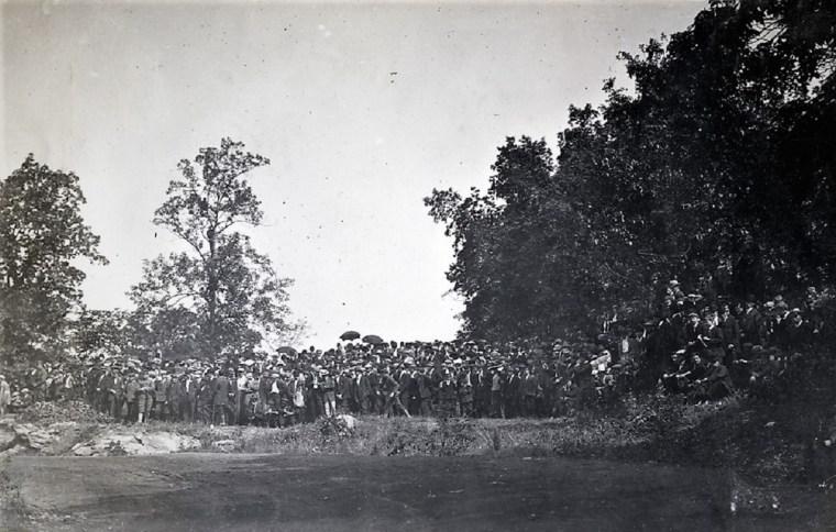 Easton 1910 hill climb spectators