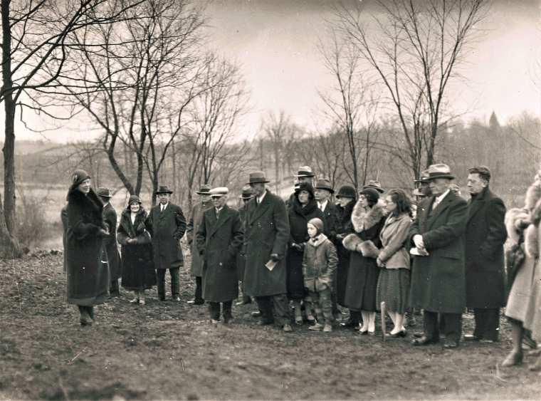 Esaton HSE M81 1932 Grange Groundbreaking crowd