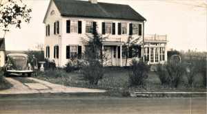 Ezra Seeley House, 136 Sport Hill Road, c.1803.