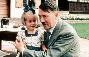 Adolf Hitler and children at Berghof.