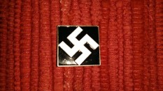 Seller/Item 004: Nazi Pin – Unknown Source – Replica – $5USD plus Shipping/Insurance