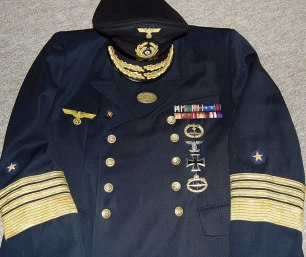 Admiral Karl Dönitz mid war uniform. Made by http://soldat.com or Soldat FHQ on Facebook.