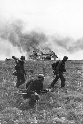 German soldiers (Flamethrower team) in the Soviet Union, June 1941.