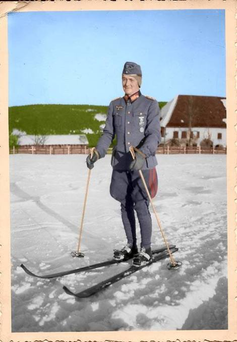 Colorizing photo of General der Infanterie Joachim von Kortzfleisch on skis.