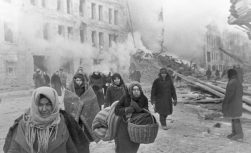 Citizens of Leningrad during the 872-day siege, in which about one million civilians died. Leningradians leaving their houses destroyed by Nazi bombings. RIA Novosti