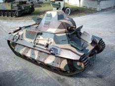 The FCM 36 at Saumur.
