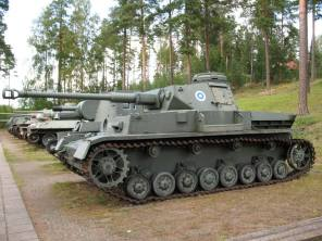 Panzerkampfwagen IV Ausf. J with Finnish roundel 1945-. Imported from Germany during the WW2.