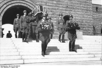 Funeral ceremony for Günther Korten at Tannenberg.