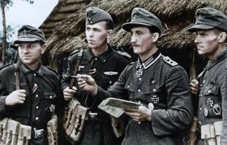 Oberfeldwebel Hubert Pilarski giving orders.