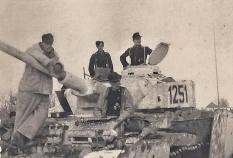 White washed Panzer IV and her crew.