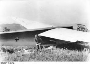 A Fallschirmjäger and a DFS 230 glider in Crete.