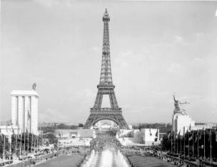 Albert Speer's German pavilion (left) facing the Soviet pavilion (right), 1937 World's Fair, Paris.