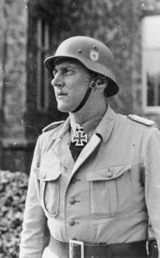 "SS-Sturmbannführer Otto Skorzeny as commander of the SS special unit ""Friedenthal""."