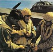The crew of a Ju 88 prepare for take-off. Their safety-harness supported them in the water if they had to bale out over the waters. The British equivalent had to be inflated in the water, which was always not possible.