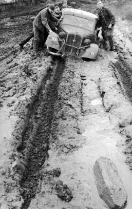 Rainy weather in October 1941 led to extremely difficult conditions on the Russian front.