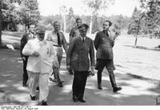 Göring with Adolf Hitler and Albert Speer, 10 August 1943.