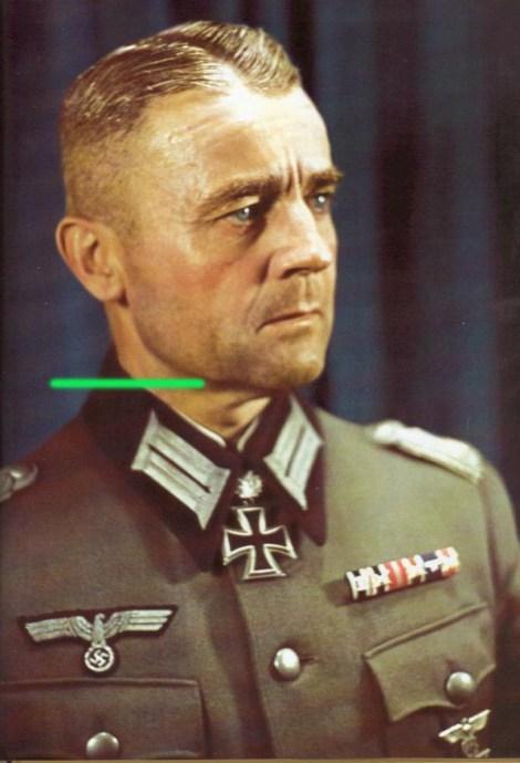 Oberst Franz Griesbach after receiving Eichenlaub #242 as Kommandeur of Grenadier-Regiment 399.