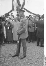 Oskar von Hindenburg, Son of Paul.