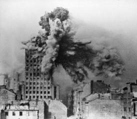 28 August, building hit by 2-ton mortar shell from a Karl-Gerät.
