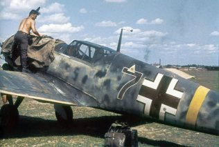 Messerschmitt Bf 109 with 74/75 camo.