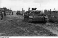 A Panzer III of the 24th Panzer Division in the outskirts of Stalingrad, 1942.