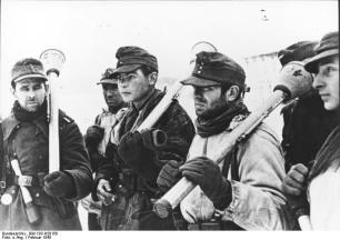 Panzerfaust armed German soldiers on the Eastern Front, 1945.