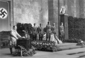 Hermann Göring speaking at Lent's funeral.