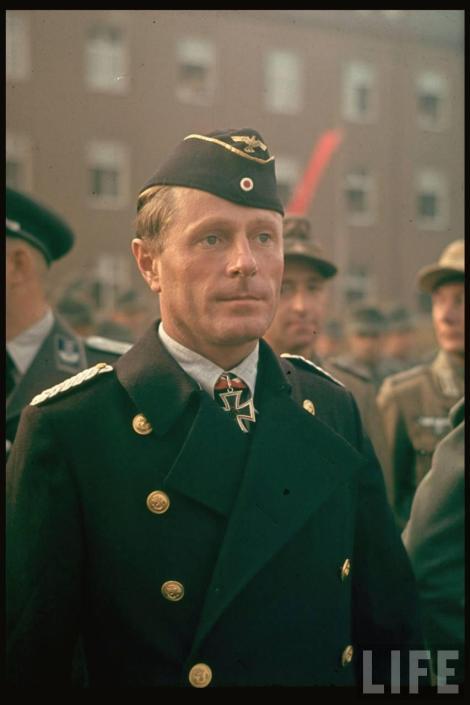 Fregattenkapitän Viktor Oehrn, Kommandant U-37.