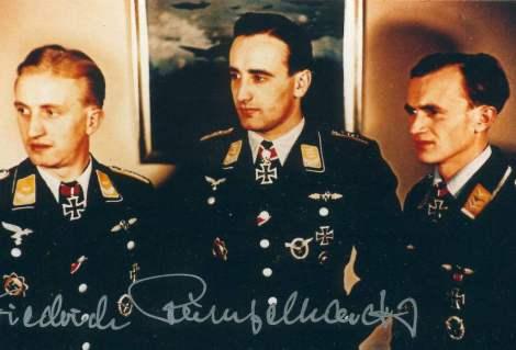 From left to right: Leutnant Fritz Rumpelhardt, Hauptmann Heinz-Wolfgang Schnaufer & Oberfeldwebel Wilhelm Gänsler.
