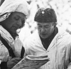 Hjalmar Siilasvuo (at right) receiving a situation report of Battle of Raate-Road.