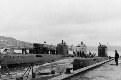 Three Type XXI U-boats and one Type VII U-boat moored at Bergen, Norway (May 1945). The Type XXI in the middle is U-2511.
