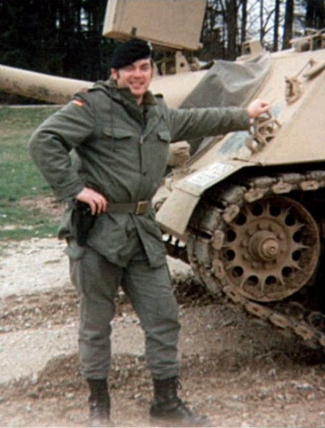 West German Army First Sergeant with olive green Battle Dress,1989.