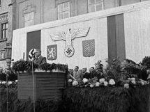 Jaroslav Krejčí giving a speech in Tábor.