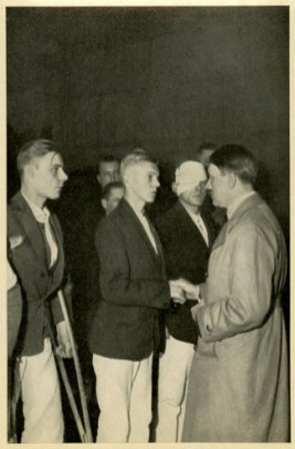 ermany Awakes. Group #32. Picture #54: They fought for Germany's resurrection. The Führer greets wounded SA men .