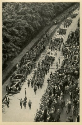 Germany Awakes. Group #32. Picture #83: Propaganda march after the lift of the uniform ban, Munich, 1932.