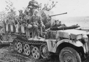20mm FlaK auf Fahrgestell Zugkraftwagen 1t Sd.Kfz.10/2