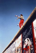 Juggling on the Wall on 16 November 1989.
