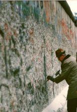 """""""Mauerspecht"""" ,November 1989."""