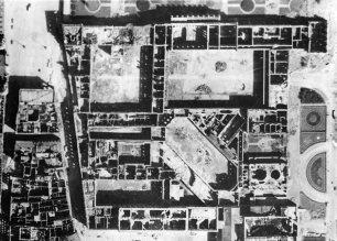 München aerial view Residenz Feldherrenhalle Hofgarten May 1944.